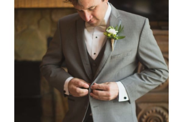 Groom_s Boutonniere
